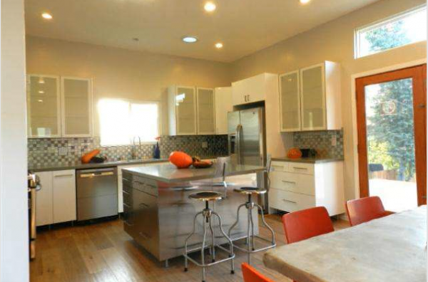 1618 N. Coronado Kitchen