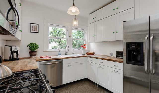 1072 West Edgeware Kitchen