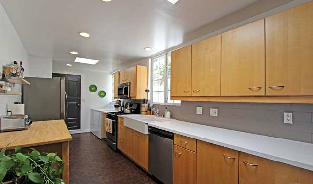1554 Lemoyne Kitchen